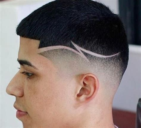 Coiffure Homme Dessin Tribal Simple