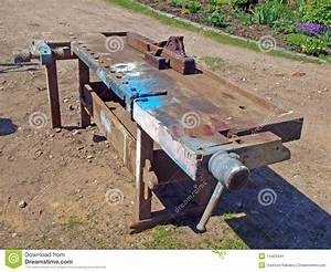 Banc de travail du bois image stock Image du brun, table