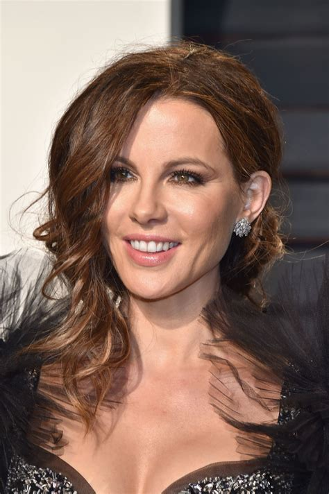kate beckinsale vanity fair oscar  party  los angeles