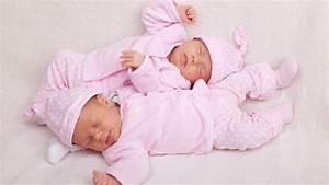 Photo De Bébé Fille : s par es pendant 7 ans deux petites jumelles se ~ Melissatoandfro.com Idées de Décoration