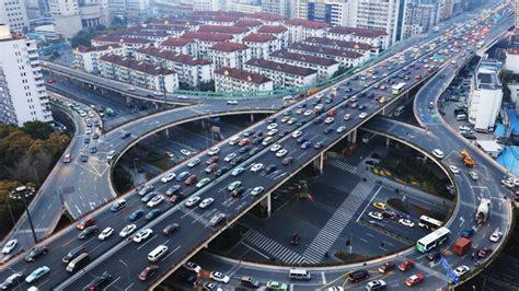 living   major road   linked  higher