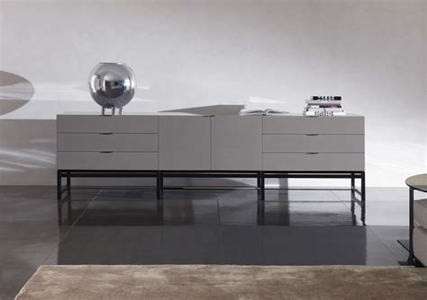 Harvey Dresser, Minotti   Luxury furniture MR