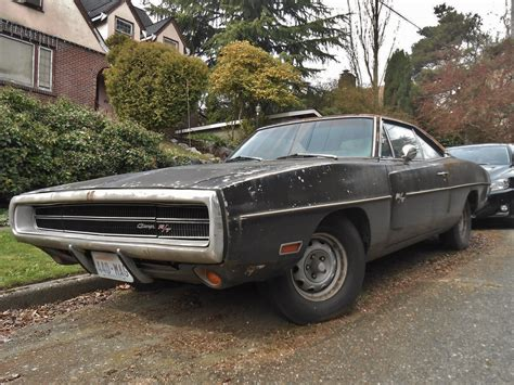 Neglected Plum Crazy 1970 Dodge Charger R/T 440 Rusting in