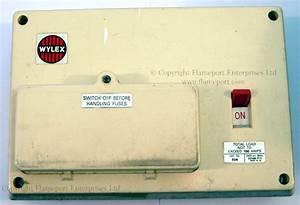 Wylex Standard White Plastic Fuseboxes
