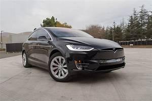 Modele X Tesla : 2016 tesla model x starts at 81 200 motor trend ~ Medecine-chirurgie-esthetiques.com Avis de Voitures