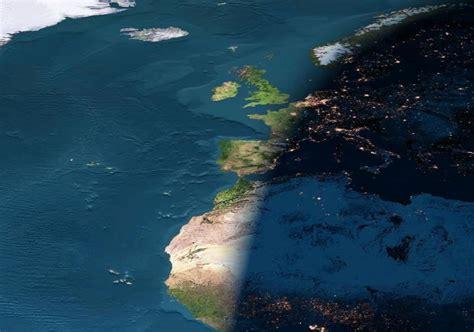 El Planeta Tierra Desde El Satélite