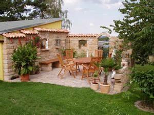 eine mediterrane sitzecke gestalten mediterraner hausbau With garten planen mit balkon gestalten mediterran