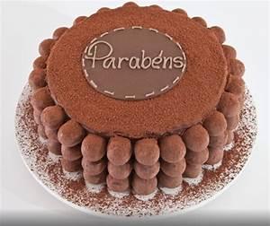 imagem-de-bolo-de-aniversario-decorado-com-parabens