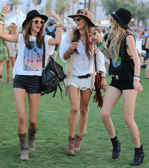 What to wear to your next music festival | fashion blogger Sophie at HipGirlie.com