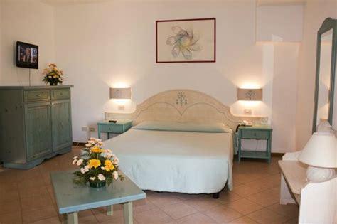 hotel chambre 4 personnes hotel cala sardaigne santa teresa di gallura