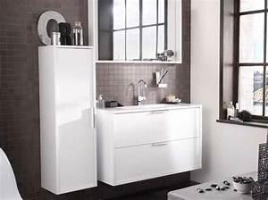 lapeyre mise sur le gain de place dans la salle de bain With meuble salle de bain elegance lapeyre