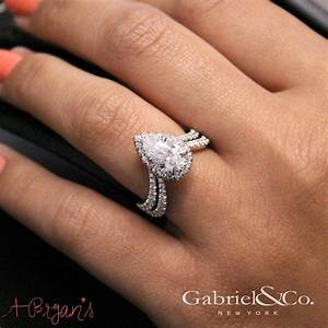 the 25 best ideas about teardrop engagement rings on With tear drop wedding ring