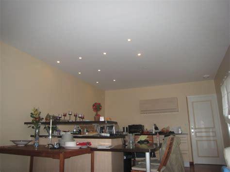 faux plafond cuisine spot faux plafond avec spot salle de bain ciabiz com