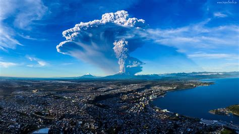 volcanic eruption calbuco volcano  chile  april