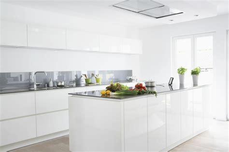 cuisine blanche laquee ophrey com cuisine kadral blanche prélèvement d