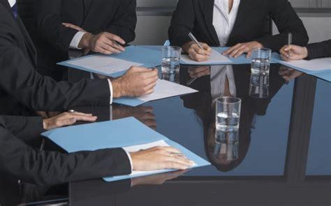 contrat de travail cadre dirigeant modele contrat de travail cadre dirigeant document