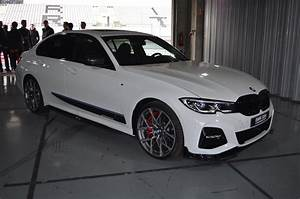 Real Life Look at BMW M Performance Parts on G20 3 Series ...