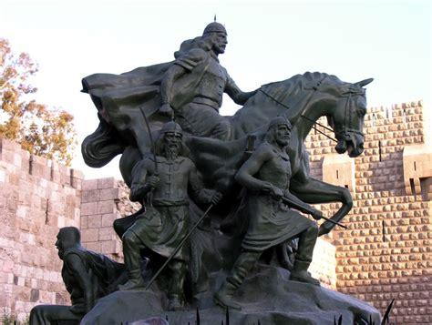 Statue of Saladin, Damascus