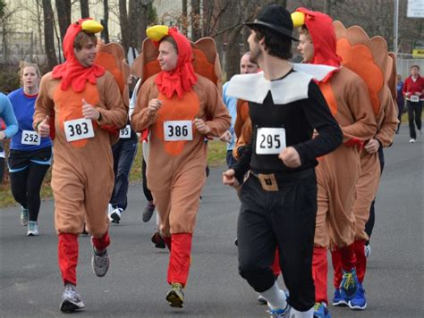 run walk that thanksgiving dinner at the y turkey trot penbay pilot