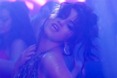 Selena Gomez Rules the Dance Floor in Zedd's 'I Want You ...