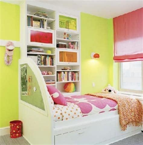 chambre fille jaune chambre enfant en vert pour une atmosphère