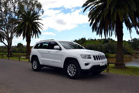 jeep grand cherokee review  laredo