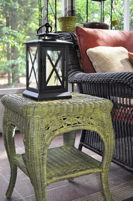 remodelaholic fabulous finish wicker table reved guest