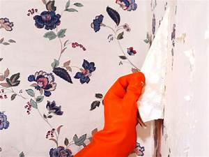 How to Remove Wallpaper Using Solvents or Steam