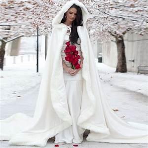 Etuikleid Weiß Hochzeit : die besten 25 hochzeit jacke ideen auf pinterest brautkleid jacken brautmutterkleid winter ~ Pilothousefishingboats.com Haus und Dekorationen