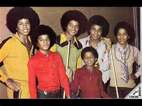 Jackson5 | Live in Paris | 1972 | 720p | 60FPS - YouTubeyoutube.com › watch?v=ru_RSzfkVjo27:58 HDThe Jackson 5 1972 Royal Variety Performance - Продолжительность: 10:22 Matt Poole 373 828 просмотров.... Jackson 5