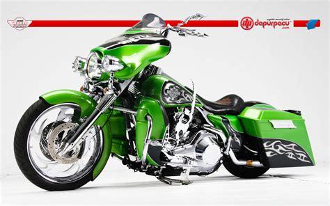 Custom Bagger Motorcycles Wallpaper