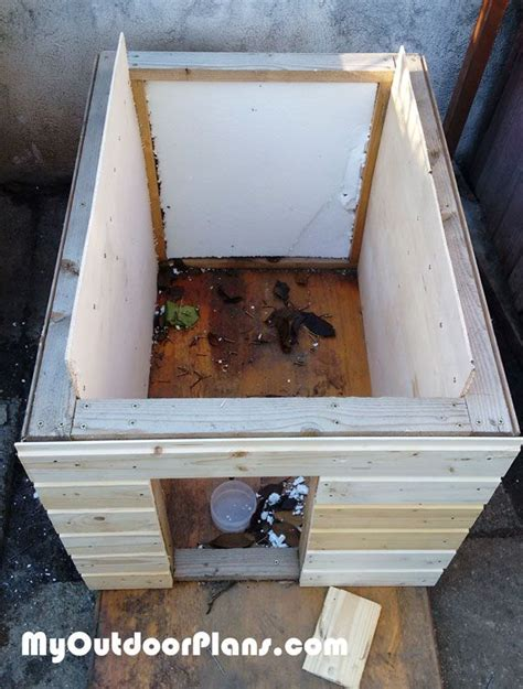 best 25 insulated dog houses ideas on pinterest insulated dog kennels diy dog houses and