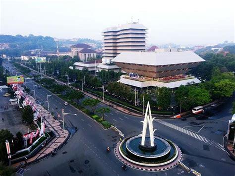 tempat wisata  jawa tengah  terkenal