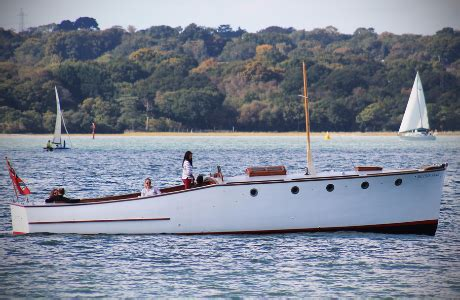 Yacht Jobs Uk by Yacht Crew Jobs In Hamble Hshire With Blue Box Sailing