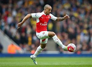 Theo Walcott urged to leave Arsenal amid West Ham speculation