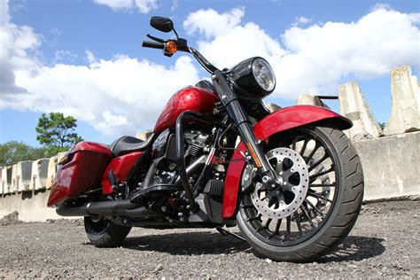 Review Harley Davidson Road King Special by Review 2017 Harley Davidson Road King Special Bike Review