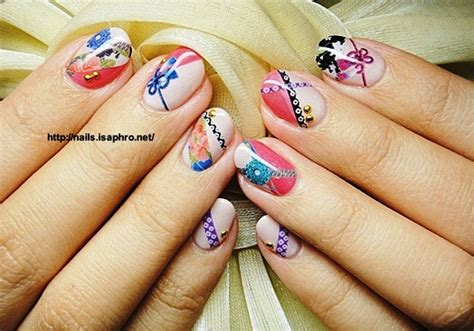 travel nail art  awesome examples hostelbookers