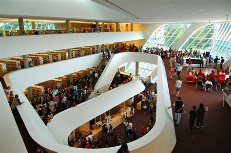 Surrey?s City Centre Library   NewToBC