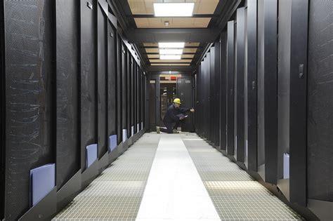 eni de meiklokjes privat erd 246 lkonzern eni nimmt schnellsten privaten supercomputer in betrieb silicon de