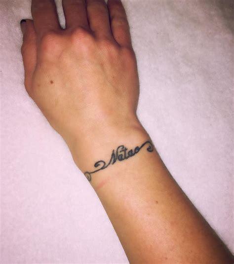 Prenom Tatouage Poignet  Dark Side Tattoo