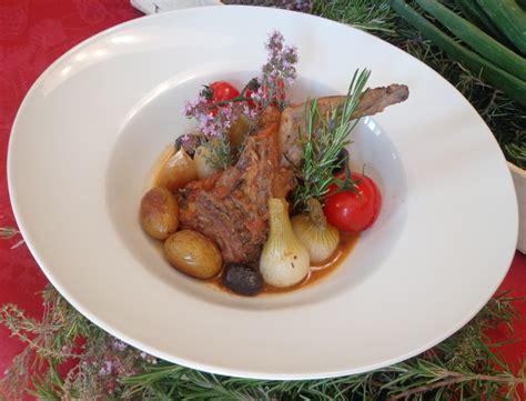 romarin cuisine lapin aux oignons nouveaux et au romarin blogs de cuisine