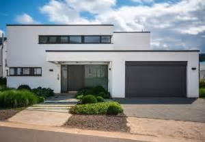 bauhaus architektur einfamilienhaus einfamilienhaus merzig minimalistisch haus fassade other metro bhk architekten