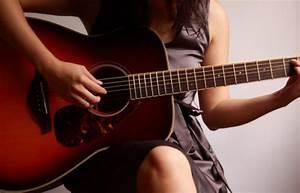 girl with guitar on Tumblr