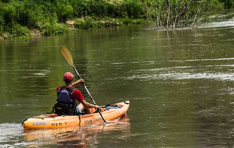 Boat Paddling Houston by Paddle On Here S Where To Kayak And Canoe In Houston