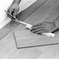 Fugen Im Laminatboden Beseitigen : parkett oder laminat mit klicksystem verlegen ~ Lizthompson.info Haus und Dekorationen