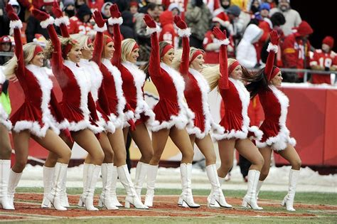 nfl cheerleaders merry christmas  happy holidays page