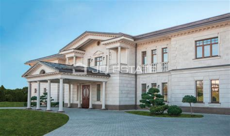 square foot mega mansion  moscow russia homes   rich