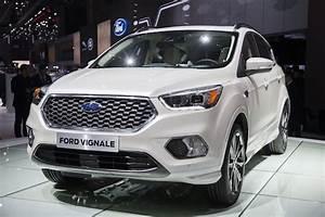 Nouveau Ford Kuga 2017 : ford pr sente le nouveau kuga un suv au design sportif et connect avec le syst me multim dia ~ Nature-et-papiers.com Idées de Décoration