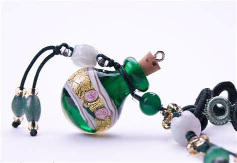 idee cadeau bureau idée cadeau bien être un collier aromathérapique