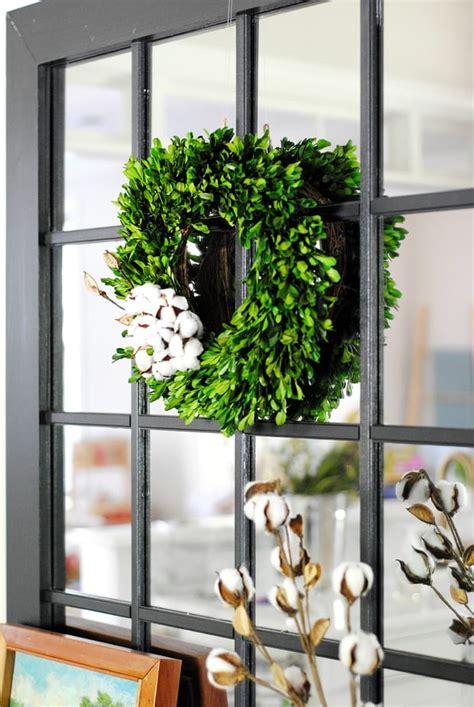decorating  boxwood wreaths